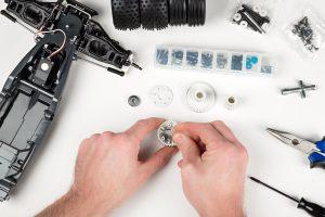 Ferngesteuertes Auto reparieren - oder reparieren lassen?